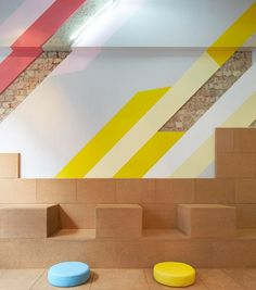 Gundry & Ducker's bubble tea cafe features cork seats and stripy paintwork Retail Interior, Cafe Interior, Flat Interior, Interior Ideas, Environmental Graphics, Environmental Design, Commercial Design, Commercial Interiors, Cafeteria Retro