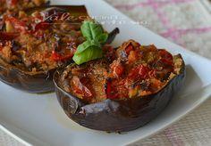 Melanzane ripiene di pane e pomodori ricetta facile