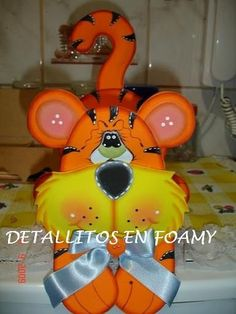 Tigre Multiuso en foami Ideas Para Fiestas, Tweety, Minions, Disney Characters, Fictional Characters, Jar, Crafts, Painting, Teacher Stuff