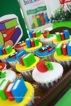Cupcakes at a Back to School Party #backtoschool #partycupcakes