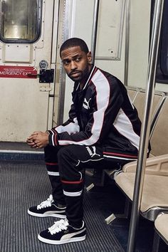 Big Sean - Sits on subway