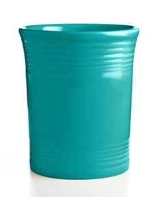Kitchen Interior Design Remodeling Fiesta Turquoise Utensil Crock - Keep essential kitchen tools within reach in the vibrant Fiesta utensil crock. With a subtly ribbed texture and array of fun mix-and-match colors to cheer up your countertop. Cottage Kitchen Decor, Cottage Kitchens, Decorating Kitchen, Rustic Kitchen Design, Interior Design Kitchen, Turquoise Kitchen Decor, Aqua Kitchen, Diy Kitchen, Fiesta Kitchen