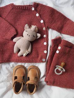 Ellen's Coming Home Set – PetiteKnit Kids Knitting Patterns, Knitting For Kids, Baby Knitting, Crochet Baby, Knit Crochet, Baby Set, Baby Baby, Drops Design, Drops Karisma