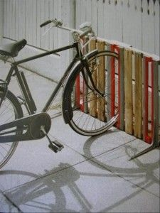 bike rack from old pallets.be really cool to paint the American flag on it! Creative DIY bike storage racks to solve the Pallet Bike Racks, Diy Bike Rack, Bike Storage Rack, Bicycle Rack, Garage Storage, Outdoor Bike Storage, Bike Holder, Storage Stairs, Patio Storage