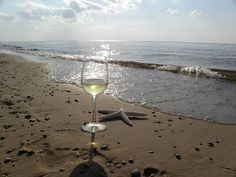 Beach + Vino=Bliss :)