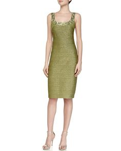 T9NBQ Carmen Marc Valvo Scoop-Neck Cocktail Sheath Dress