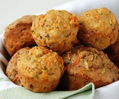 carrot zucchini mufins (I'd like to add some chopped walnuts in it too) http://www.marcussamuelsson.com/recipe/carrot-zucchini-muffins-recipe