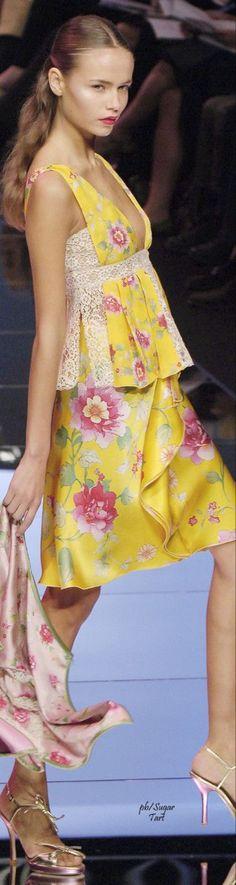 Shades Of Yellow, Pink Yellow, Pink Color, Pink White, Bright Yellow, Yellow Fashion, Floral Fashion, Fashion Design, Pastel Fashion