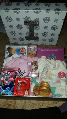 Little girl christmas eve box! Night Before Christmas Box, Christmas Eve Box, Christmas Mood, Christmas 2016, Christmas Crafts, Xmas, Pixar Movies, Decor Ideas, Gift Ideas