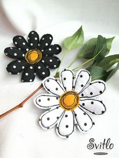 Brooch Camommiles Set 2in1   Textile Art Felt Cotton Silk Brooch   Free Hand Machine Embroidered Brooch Pin   Black and White