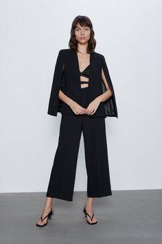 Get dressed up with this season's women's blazers at ZARA online and achieve effortless style. Capes For Women, Blazers For Women, Suits For Women, Women's Blazers, Zara Cape, Zara Suits, Zara Australia, Online Zara, Zara United States