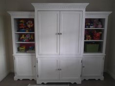 The Copy Cat Home: up-cycled entertainment center to beautiful toy storage