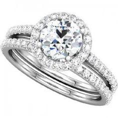 Halo Style Diamond Engagement Ring & Wedding Ring Set | Scott Kay