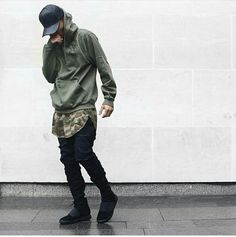 Streetwear Daily Urbanwear Outfits Tag to be featured DM for promotional requests Tags: Style Urban, Urban Street Style, Fashion Mode, Urban Fashion, High Fashion, Damir Doma, Men Looks, Street Outfit, Street Wear