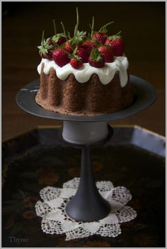 Simple Cinnamon Applesauce Spice Cake with Fresh Strawberries; credit - thyme