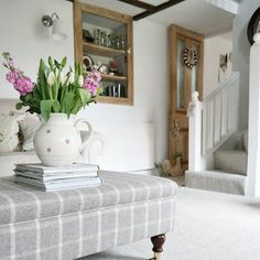 New Living Room Grey Carpet Benches Ideas Cottage Living Rooms, Cottage Interiors, Living Room Carpet, Living Room Grey, Home And Living, Living Room Decor, Cosy Living, Estilo Shabby Chic, Free Interior Design