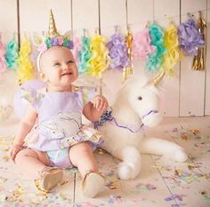 Mameluco del vintage del arco iris y unicornio