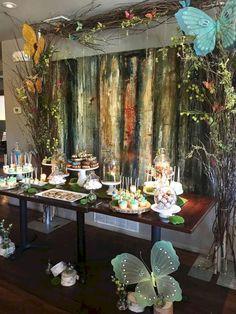 Gloomy 25+ Wonderful Enchanted Forest Decorations Trend 2018 https://oosile.com/25-wonderful-enchanted-forest-decorations-trend-2018-17063
