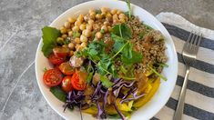 Dinner made healthy in just minutes! Vegan Vegetarian, Vegetarian Recipes, Healthy Recipes, Miso Ginger Dressing, Leafy Salad, Flax Seed Recipes, Natural Peanut Butter, Buddha Bowl, Roasted Red Peppers