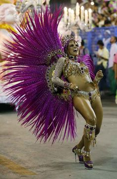 Stunningly Beautiful Images From Rio De Janeiro's Carnival 2014 Wow!! I love this costume!