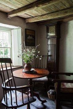 primitive homes on picturetrail Welsh Cottage, Cottage Style, Irish Cottage Decor, Cosy Home, Primitive Homes, Primitive Country, Primitive Bedroom, Primitive Antiques, Primitive Decor