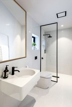 Image 10 of 27 from gallery of Urban Cottage / CoLab Architecture. Photograph by Stephen Goodenough Small Bathroom Storage, Bathroom Design Small, Bathroom Layout, Bathroom Interior Design, Modern Bathroom, Small Bathrooms, Bathroom Designs, Bad Inspiration, Bathroom Inspiration
