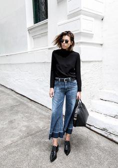 Stunning 45+ Beautiful Wide Leg Cropped Jeans For Women Style https://www.tukuoke.com/45-beautiful-wide-leg-cropped-jeans-for-women-style-7843