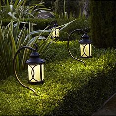 Brighten up a garden pathway with this energy efficient LED path light in seeded glass and a black finish.
