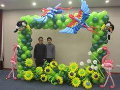 Fantastic tropical picture frame, all latex balloons. Balloon Arch Frame, Balloon Stands, Balloon Display, Balloon Columns, Latex Balloons, Foil Balloons, Ballon Decorations, Balloon Centerpieces, Mardi Gras