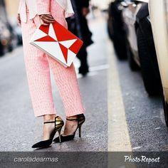 #valentinasiragusa wearing #greymershoes #fashion #heels #gold #black #loveshoes