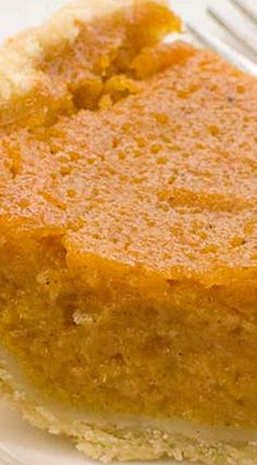 Old South Sweet Potato Pie made with simple ingredients. This sweet potato pie is delicious, sure to be your go to recipe for sweet potato pie! Potatoe Casserole Recipes, Sweet Potato Casserole, Sweet Potato Recipes, Southern Sweet Potato Pie, Old Fashion Sweet Potato Pie Recipe, Sweet Potato Dessert, Sweet Potato Pudding, Köstliche Desserts, Delicious Desserts