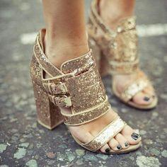 Poppy's Favorite Shoes #PoppyDelevingne #shoes #sandals #glitter