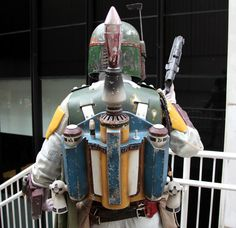 """Crave's Christopher MacManus explores Andrew Miller's custom movie-accurate Boba Fett costume from """"Star Wars: Return of the Jedi."""" Fans of the legendary sci-fi bounty hunter won't want to miss this pictorial. Boba Fett Costume, Boba Fett Helmet, Star Wars Boba Fett, Star Wars Games, Star Wars Art, Mandolorian Armor, Chasseur De Primes, Creative Costumes, Diy Costumes"""