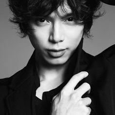 """水嶋ヒロの""""神ビジュアル""""が話題「イケメンすぎてつらい」「美しい」 - モデルプレス"""