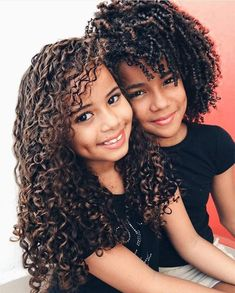 Siblings, beautiful hair and curl defintion. Click the link to see more Curly Inspiration: www.uk share with your friends Beautiful Children, Beautiful Babies, Fashion Kids, Curly Hair Styles, Natural Hair Styles, Natural Beauty, Kinky Curly Wigs, Curly Ponytail, Curly Braids
