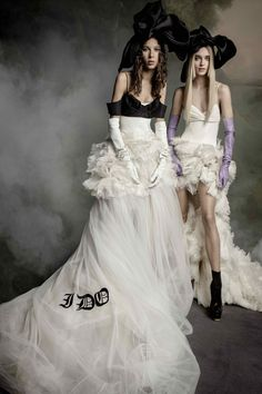 Pictures from Vera Wang Fall 2020 Bridal Collection. Vera Wang teamed with photographers Inez & Vinoodh to lens her Fall 2020 Bridal collection Vera Wang Bridal, Vera Wang Wedding, Tulle Ball Gown, Ball Gowns, Tulle Dress, Prom Dress, Fall Wedding Dresses, Wedding Gowns, Kim Kardashian Wedding Dress
