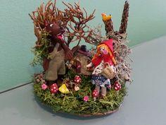 Cuento de Caperucita y el lobo por Inés Moreno miniaturines