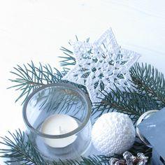 Crochet star Crochet Stars, Xmas Ornaments, Crochet Hooks, Arm Warmers, Snowflakes, Christmas Crafts, Candle Holders, Candles, Crotchet