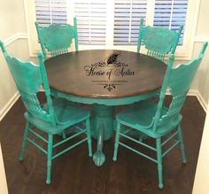 Teal gold painted chair pressed back chair pressed cane Refurbished Furniture, Repurposed Furniture, Furniture Makeover, Painted Furniture, Diy Furniture, Painted Kitchen Tables, Painted Chairs, Wooden Office Chair, Office Chairs