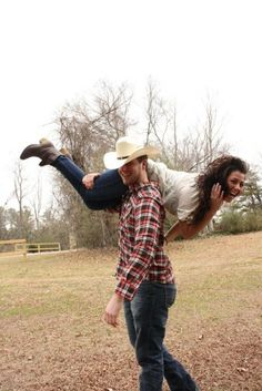 Ideas For Funny Couple Pictures Fun Engagement Pics Cute Country Couples, Cute Couples, Country Man, Southern Comfort, Couple Posing, Couple Shoot, Engagement Couple, Engagement Photos, Country Engagement Pictures