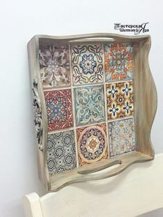 33 Best Wooden Home Accessories Unique - Room Dekor 2021 Decoupage Box, Decoupage Vintage, Vintage Diy, Diy Arts And Crafts, Diy Crafts To Sell, Wood Crafts, Painted Trays, Tray Decor, Tile Art