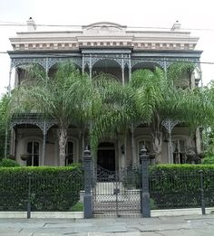 A little creepy...abandoned house in the Garden District New Orleans