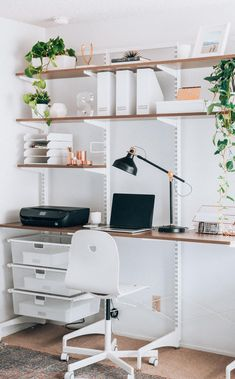 Modern Minimalist Home Office Space Ideas Source by Office. - Modern Minimalist Home Office Space Ideas Source by Office Dresses - Home Office Design, Home Office Decor, Home Decor Bedroom, Office Designs, Office Table, Office Ideas For Home, Office Room Ideas, College Bedroom Decor, Home Office Closet