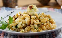 Looking for an authentic Italian recipe? Try Barilla's step-by-step recipe for Barilla® Protein+™ Elbows with Roasted Cauliflower, Lentils & Herbs for a delicious meal! Barilla Recipes, Pasta Recipes, Cooking Recipes, Macaroni Recipes, Yummy Recipes, Vegan Recipes, Cauliflower Pasta, Roasted Cauliflower, Protein Pasta