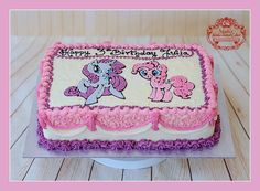 Tort serowo - śmietankowy z truskawkami i czekoladą. Zapraszam do mojej galerii - kliknij i polub na Facebook'u http://ift.tt/2iOM9eB http://ift.tt/2hQF4gA Żądaj certyfikatu ! Nie ryzykuj ! #WheresTheSticker #BirthdayCakeSmash #MagdasCakes #northampton