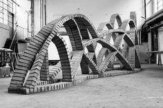Eladio Dieste brick experiment: Undulating Wall/Nested Catenaries