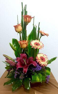 Printing Ideas Useful Contemporary Flower Arrangements, Tropical Floral Arrangements, Large Flower Arrangements, Ikebana Flower Arrangement, Flower Centerpieces, Flower Decorations, Altar Flowers, Church Flowers, Funeral Flowers