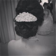 ボンネでクラシカルな美人花嫁に♡すっきりアップに大きめボンネのヘアアレンジが可愛い* | marry[マリー] Hair Setting, Wedding Hire, Wedding Hairstyles, Hair Styles, Dresses, Fashion, Up Dos, Hair, Weddings