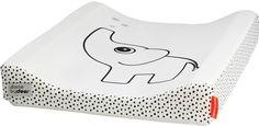 Done by Deer Wickelauflage Elphee in Weiß mit Elefant und süßen Punkten. Passt hervorragend in monochrome Kinderzimmer.