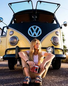 Volkswagen – One Stop Classic Car News & Tips Volkswagen Transporter, Transporter T3, Volkswagen Minibus, Vw T1, Vans Vw, Trucks And Girls, Car Girls, Vw Camper, Campers